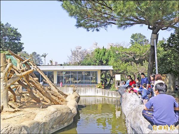 被譽為風城之肺的新竹公園百年規劃案成為藍綠雙方互槓的議題。(記者洪美秀攝)