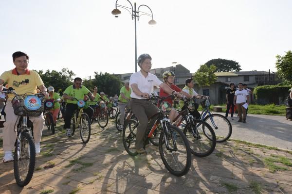 立委要求交通部研擬親子自行車相關法規。示意圖與本新聞無關。(資料照,記者張瑞楨攝)