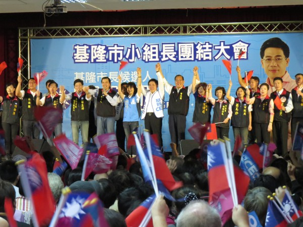 總統馬英九今天針對黑心油事件發表看法,表示絕對要偵辦到底。(記者俞肇福攝)
