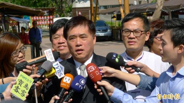 媒體詢問郝龍斌是否接任閣揆?郝龍斌表示:「沒聽說」。(記者游蓓茹攝)