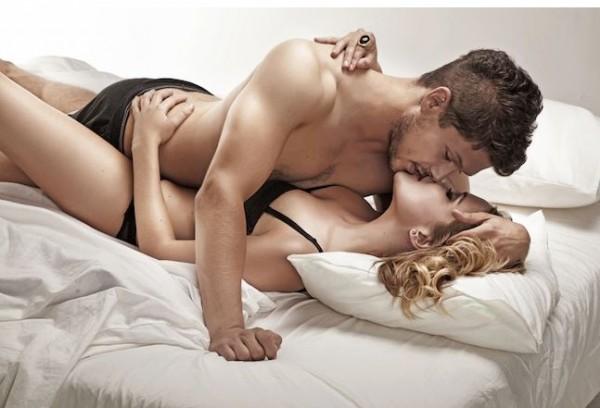 英國研究顯示,男人同時面對飢餓與性需求時,其神經元會優先選擇性愛。(擷自skinnymom.com)