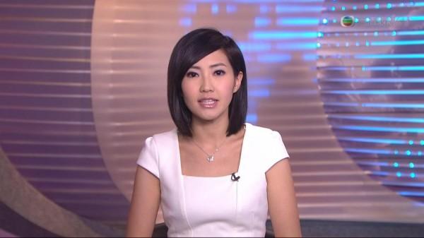 被香港高登論壇網友封為「TVB新聞部女神」的主播蔡雪瑩驚傳「被辭職」。(圖擷取自TVB新聞台)