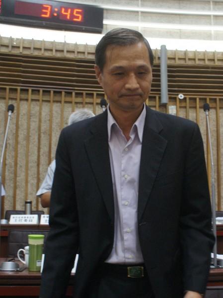 高雄氣爆中油洩責,高市消防局長陳虹龍稱對中油很失望。(記者黃佳琳攝)