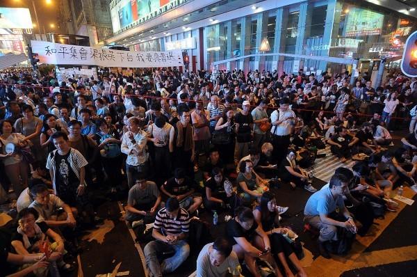 香港計程車會主席黎海平今天表示,明天將聲請延續禁止佔領旺角禁制令,並計劃加入「必要時警方清理障礙物」條款。(資料照,特派記者方賓照攝)