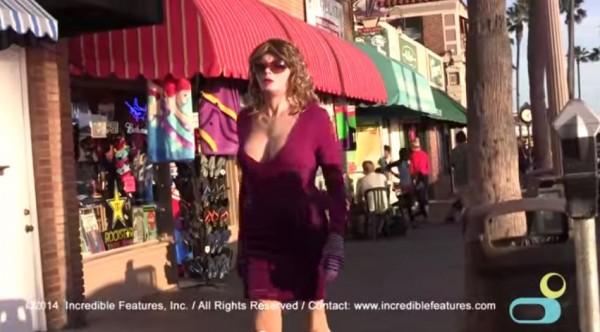 女人皮橡膠衣不只提供給跨性別者,也能讓身上有燒燙傷或其他疤痕的患者勇敢走上街頭。(圖擷取自Youtube)