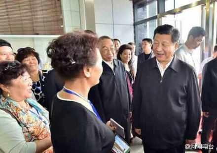中國國家主席習近平昨日到福建平潭視察,和台胞交流。(圖擷自微博)