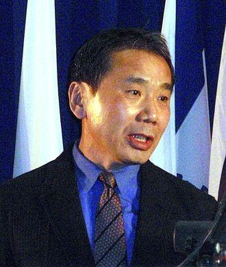 日本作家村上春樹批評日本逃避二戰和福島核災的責任,還包裝自己成「受害者」。(圖擷自Wikipedia)