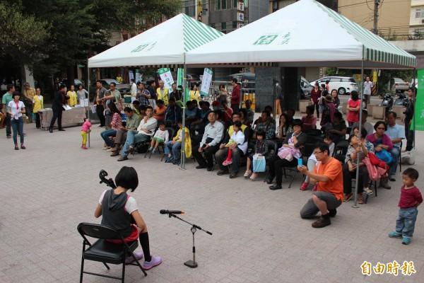 樹黨今天下午在新竹縣竹北市豆子埔公園,替市民代表候選人高民晟、許育綸舉行總部成立大會,吸引許多鄉親和支持者到場慶祝。(記者黃美珠攝)