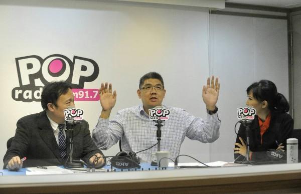 國民黨台北市長候選人連勝文接受電臺專訪。(記者陳志曲攝)