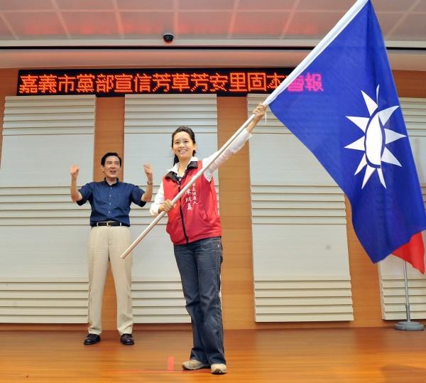 國民黨嘉義市長候選人陳以真(右)今日在臉書發文,指出她反對連勝文的政見。(資料照,記者余雪蘭攝)