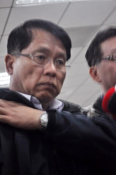 綠島監獄典獄長蘇清俊被押解返回台北。(記者劉慶侯攝)