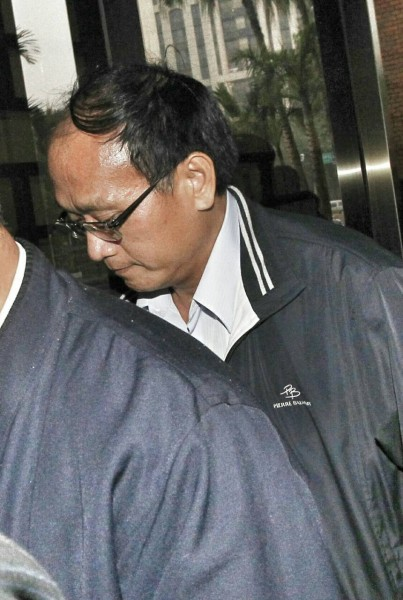 台中監獄副典獄長趙崇智上午到北檢接受檢察官複訊。(記者劉信德攝)