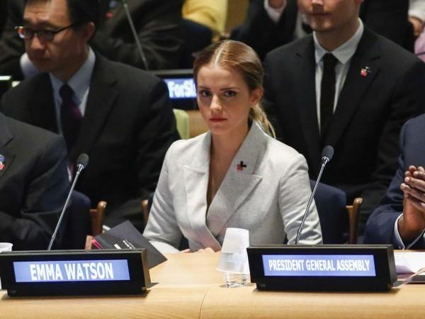 從女星轉當聯合國婦女署親善大使的艾瑪華森,年僅24歲,今年曾在聯合國會議上發表女權議題演講。(圖擷取自Business Insider網站)