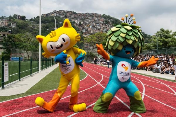 左邊是奧運主要吉祥物,右邊則是帕運的吉祥物。(法新社)