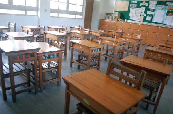 林姓男代理教師在課堂上常出現情緒失控的情況,不時爆粗口罵學生「畜生」、「野蠻人」,還會管制學生用餐。教室示意圖,與本新聞無關。(資料照)