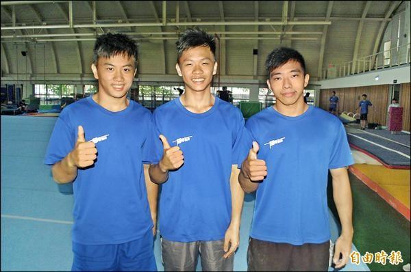 《翻滾吧!男孩》小選手長大了,左至右為謝享軒、李享恩及黃克強。(記者江志雄攝)