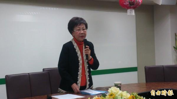 前副總統呂秀蓮宣布,馬政府耶誕節不放陳水扁,她就展開無限期絕食。(記者陳慧萍攝)