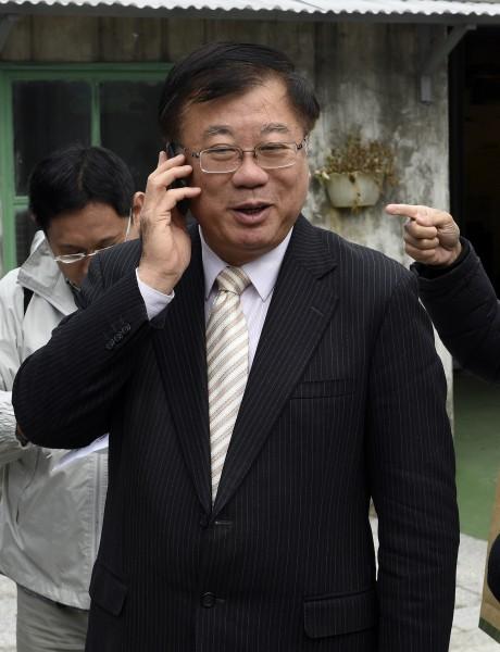 毛內閣名單揭曉,農委會主委陳保基安全過關獲留任,下午他受訪時被問及心情時說:「一樣」。(記者叢昌瑾攝)