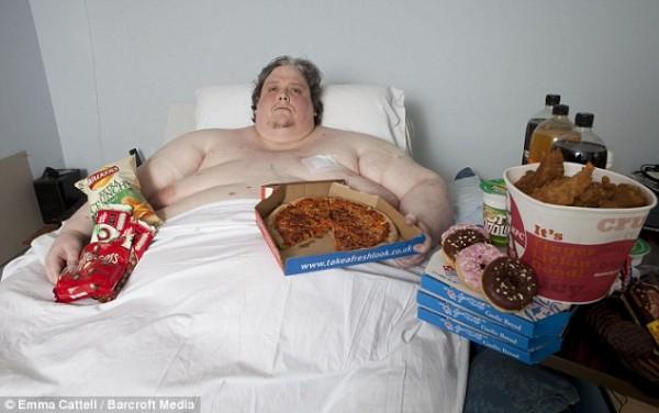 基思·馬丁(Keith Martin)曾受金氏世界紀錄認證為世界最胖男子,體重一度高達444公斤,卻在44歲時死於肺炎。(圖取自英國每日郵報)