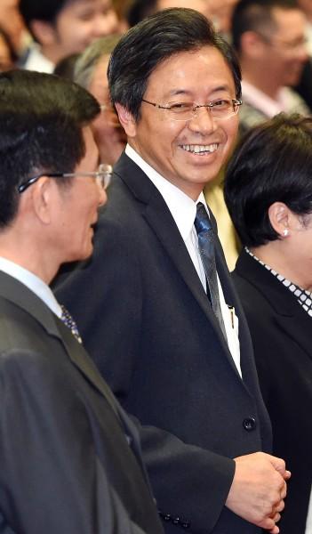 科技部長張善政確定將接任行政院副院長,張善政笑說,是跳進馬英九與毛治國的陷阱。(記者廖振輝攝)