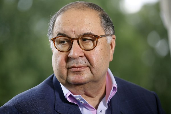 俄羅斯首富吾斯曼諾夫花410萬美元買下華生的諾貝爾獎牌,但這位富豪透露,他打算把獎牌還回去,畢竟獎牌代表了華生的研究貢獻。(彭博)
