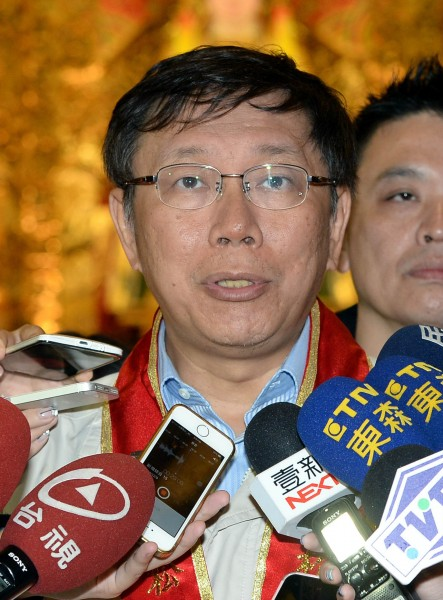 台北市長當選人柯文哲提出北宜直鐵最短路徑概念引發諸多爭議,柯強調問題可以討論,他只是先拋出概念。(資料照,記者林正堃攝)