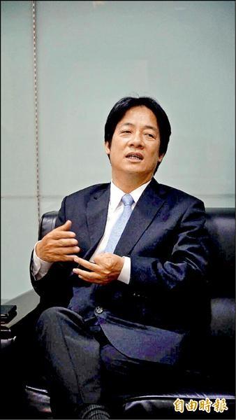 太陽花學運領袖陳為廷參選苗栗縣立委補選,台南市長賴清德昨天公開表示支持。(記者洪瑞琴攝)