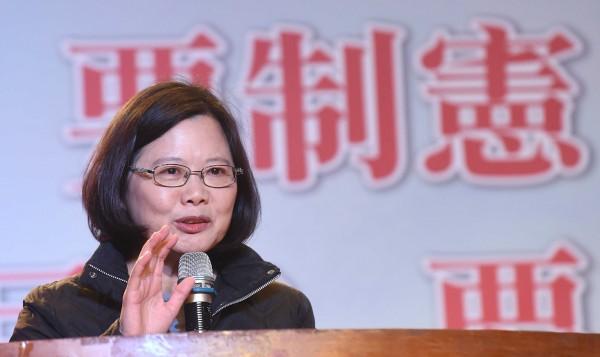 民進黨主席蔡英文昨與台北市長當選人柯文哲會面,柯表示,兩人談話內容主要是閒話家常。(資料照,記者劉信德攝)