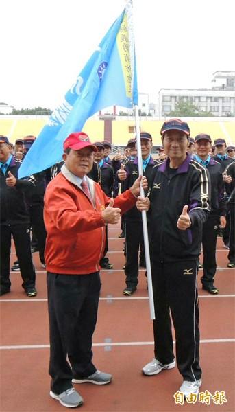 縣長劉政鴻(左)、縣副議長陳明朝(右)。(資料照,記者張勳騰攝)