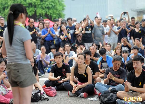 香港佔中,民眾在政府總部前輪流演講表達訴求。(資料照,特派記者方賓照攝)