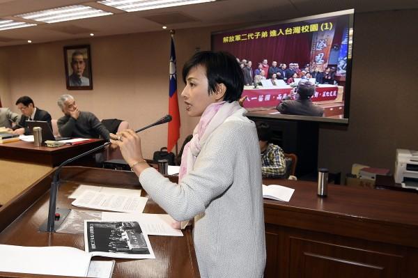 立委邱議瑩昨在立法院內政委員會質詢時表示,新北市政府放任有中國解放軍二代色彩的團體進入台灣校園。(資料照,記者陳志曲攝)