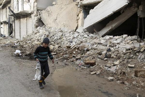 敘利亞在2014年全年有7萬6000人死於暴力衝突,為內戰以來最慘烈的一年。(路透)