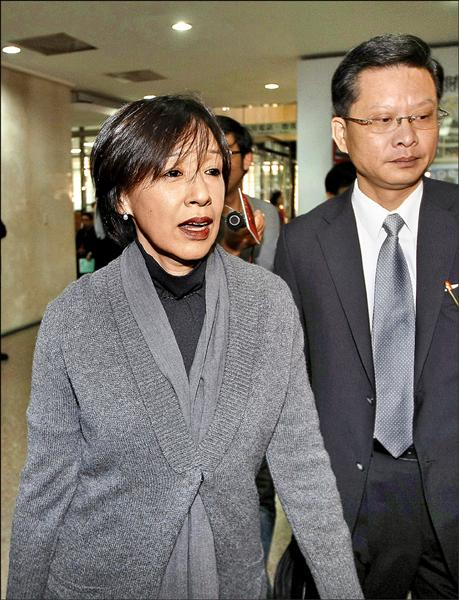 前高鐵董座殷琪(左)曾在兩年前寫信給當時的閣揆陳冲,直接點名有政院高層阻撓高鐵融資計畫,改推財改方案,要讓高鐵破產。(資料照)