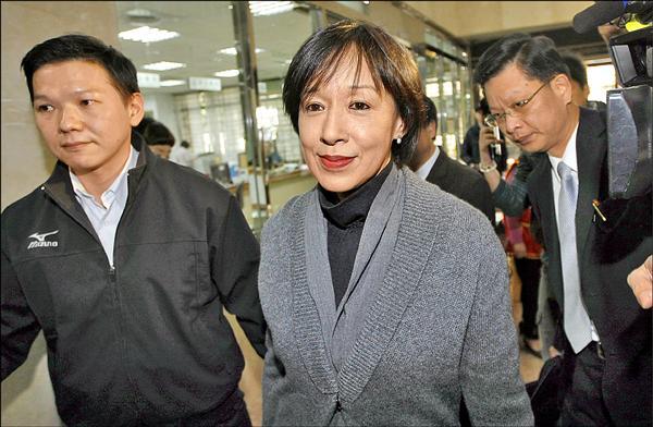 高鐵財改爭議延燒,行政院長毛治國與高鐵前董座殷琪十多年前的一段互動,重新被提及。(資料照)
