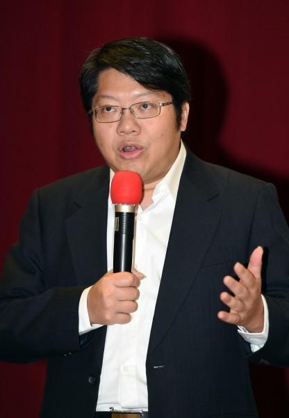 台南議會議長賄選疑雲甚囂塵上,賴中強批評「這是地方惡勢力,竟標舉政黨與民主的大旗。」(資料照,記者廖振輝攝)