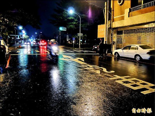 嘉義市「限制性道路」單行道,機車可以逆向,不少市民到其他縣市求學就業,往往因家鄉習慣問題而被開紅單。(記者丁偉杰攝)