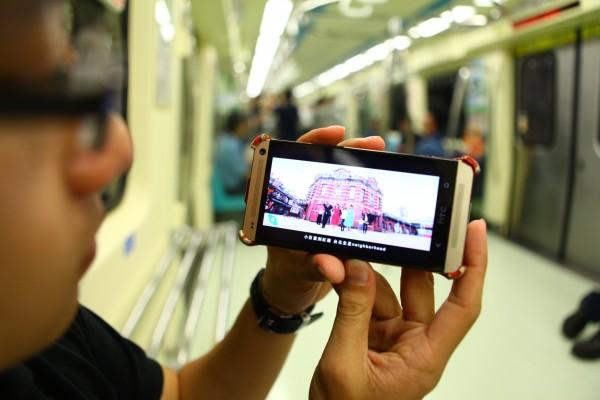 台北市免費無線網路常被詬病容易斷線或不容易連線,每年卻又要花1億元,柯文哲希望能推動北市4G免費上網,取代現在的Wi-Fi。(資料照,記者吳亮儀攝)