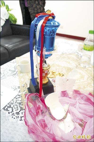 宜蘭市南屏國小發生家長闖進校長室,用瓷杯、獎盃怒砸校長成傷。(記者江志雄攝)