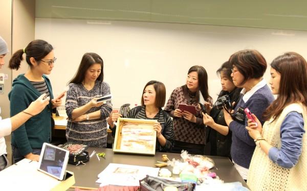 文化大學推廣教育部與終身學習研發機構華岡興業基金會發現,參與終身學習的民眾中,女性佔了七成,是一大主力。(文化大學推廣部提供)