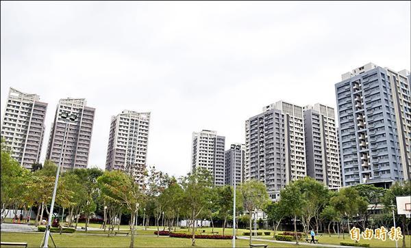 新北市板橋浮洲合宜住宅即將於3月交屋,其中446戶提供新北市政府出租。(記者陳韋宗攝)