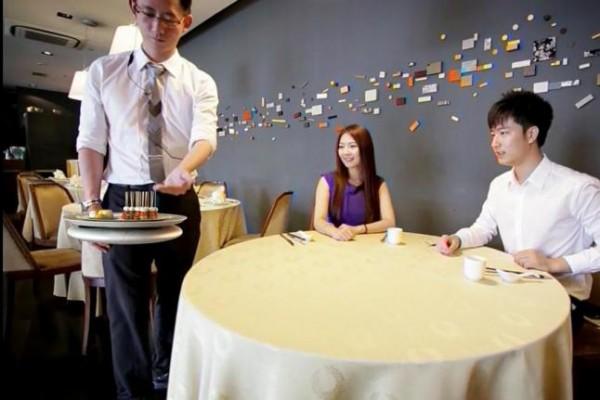 新加坡一家餐廳打算啟用堅固、可靠的無人機為客送餐。(圖擷取自《UPI》網站)