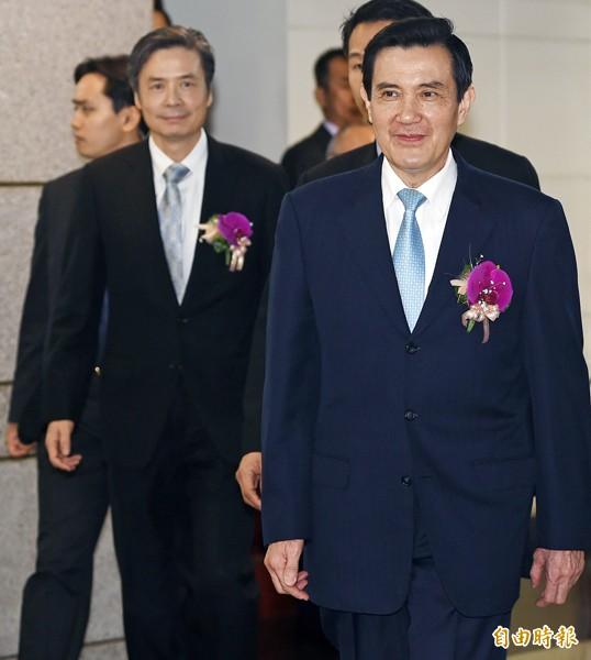 總統馬英九(前右)、前國安會秘書長金溥聰(後左)。(資料照,記者廖振輝攝)