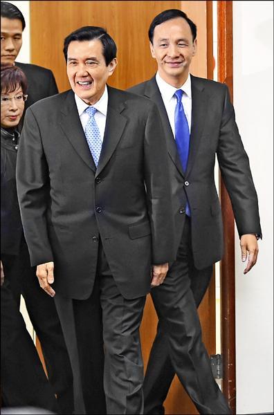馬英九總統昨天接受網路影音媒體專訪,對於傳出國民黨主席朱立倫(右)打算以不承接訴訟的方式,讓王金平黨籍案技巧性消失,他首度表態反對,並暗示朱應該上訴三審。(資料照)