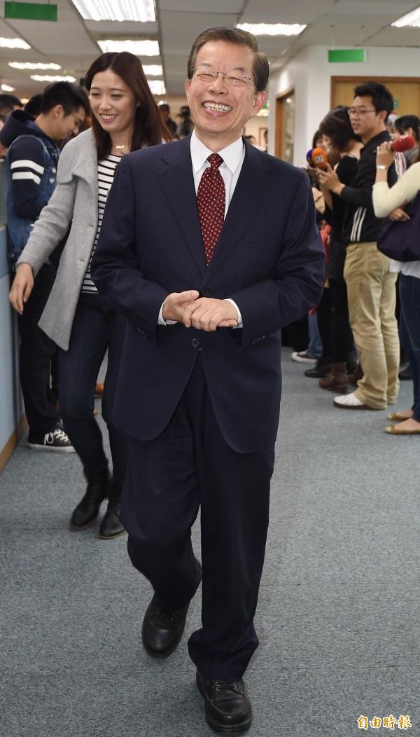 民進黨今舉行中執會,針對下屆立委選舉艱困選區等問題進行討論,傳出有意角逐立委席次的前行政院長謝長廷出席會議。(記者廖振輝攝)