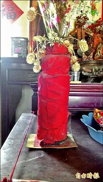 恆春半島不少部落仍有酒瓶神。(記者蔡宗憲攝)