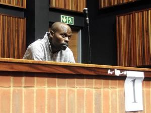 南非計程車司機馬邦達因為多起性侵案及其他刑案,被判525年刑期。(圖擷取自《THE STAR》)
