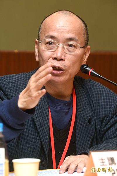台灣亞太發展基金會6日舉辦「國土基盤整備與國家永續發展─台灣未來發展之探討」論壇,城鄉發展議題邀請前經建會副主委張景森主講。(記者簡榮豐攝)