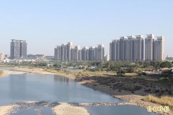 美河市鄰近捷運小碧潭站,成為柯市府社會住宅的預定目標。(資料照,記者翁聿煌攝)