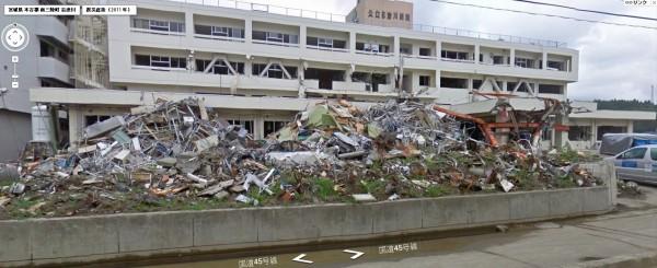 日本宮城縣一處醫院在311大地震發生後5個月。(圖擷取自miraikioku.com)
