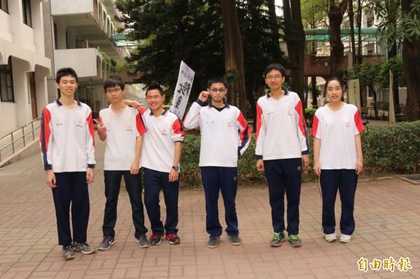 斗六高中有6名學生通過繁星推薦醫學系第一階段。(記者詹士弘攝)